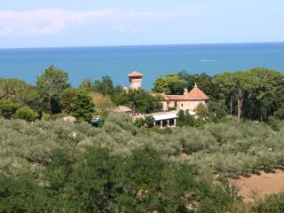 Charming Resort with Internet Access and A/C in Marche - Marche vacation rentals