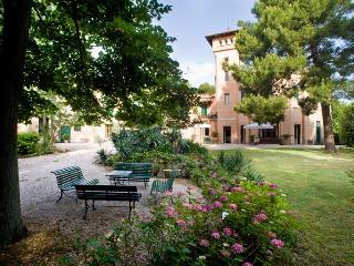 Charming 20 bedroom Marche Resort with Garden - Marche vacation rentals