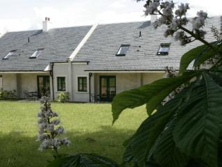 Linlithgow Holiday Cottages - Beaton Cottage - Linlithgow vacation rentals