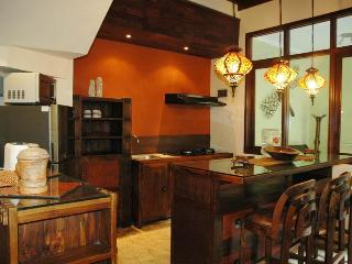 KUTA ROYAL - (o) Gorgeous 4 or 5 Bed Villa - de CI - Kuta vacation rentals
