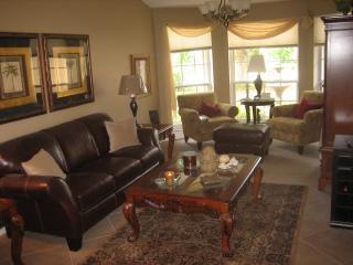 Glamorous Sitting Room - Oakview 5br/3ba private Pool/spa home near beach - Bonita Springs - rentals