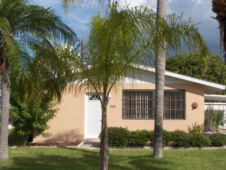 Charming House with Internet Access and Dishwasher - Anna Maria vacation rentals