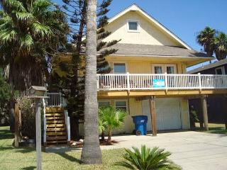 3 bedroom/ 2 bath and cute as can be!! - Port Aransas vacation rentals