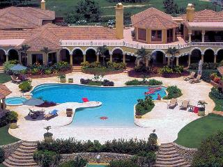 Villa Castellamonte, 8BD/10BA, Full Staff, Luxury - Cabrera vacation rentals