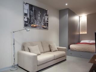 Gothic Studio 4 ** Cocoon Modern  (BARCELONA) - Vilanova del Valles vacation rentals