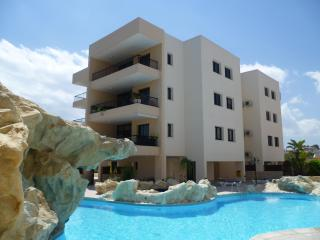 Holiday Apartment with free WiFi and free Air-conditioning.  Also has large pool - Oroklini vacation rentals