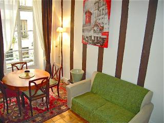 Cozy Apartment on Saint Louis Island Near Notre Dame - Paris vacation rentals