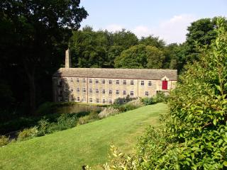 Hewenden Mill Cottages -Beautiful 3 bed town house - Bradford vacation rentals