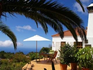 Casa Lucia, sunsets, sea views, WiFi, BBQ - La Palma vacation rentals