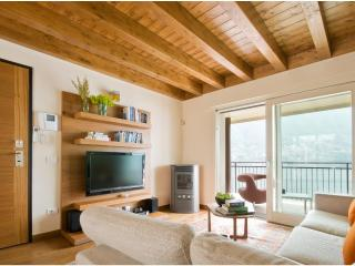 Perfect Condo with Internet Access and Dishwasher - Laglio vacation rentals