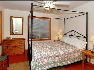 Nice Cabin with Deck and Internet Access - Waynesville vacation rentals