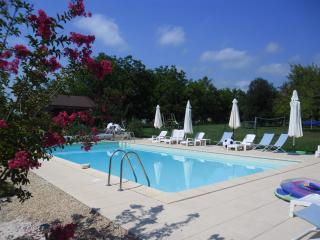 Chene Vert Cottage at 'Le Jardin des Amis' - Meyrals vacation rentals