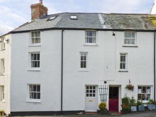 CORNER COTTAGE, family friendly, character holiday cottage in Stratton, Ref 4318 - Stratton vacation rentals
