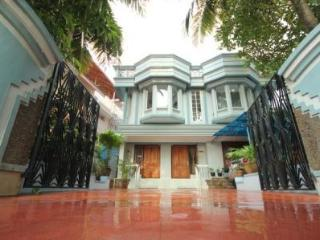 WATERS EDGE APARTMENT(Sea View Apartments) - Kochi vacation rentals