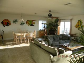 Perfect 4 bedroom Flagler Beach House with Deck - Flagler Beach vacation rentals