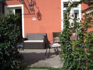 fca9379c-55d3-11e2-b9fa-b8ac6f94ad6a - Lucca vacation rentals
