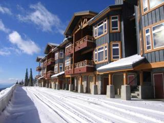 Fabulous Condo with 2 BR & 2 BA in Big White (#11 - 7650 Porcupine Road TIMBRD11) - Big White vacation rentals