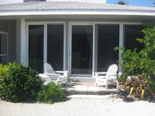 Sanibel Island Seaside Bungalow - Sanibel Island vacation rentals