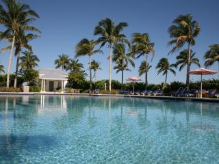 2/2 Indigo Reef w/ 32' Complimentary Boat Slip - Marathon vacation rentals