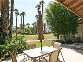 Golf Membership! The Lakes CC- Delightful Condo (KS829) - Image 1 - Palm Desert - rentals