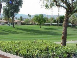 Golf Membership! Monterey CC Roomy Fairway Unit (M3017) - Image 1 - Palm Desert - rentals