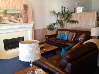 The Perfect Vacation Retreat On Lake Granbury - Granbury vacation rentals