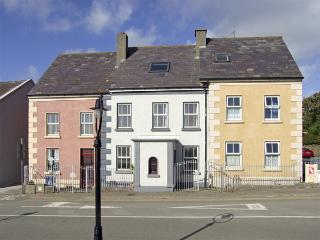 STRAND ROAD, pet friendly in Duncannon, County Wexford, Ref 4356 - Duncannon vacation rentals