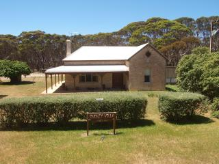 Penneshaw/Kangaroo Island/ Pets/Dudley Villa/ - Cape Jervis vacation rentals