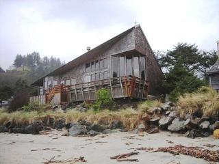 Neskowin Absolute Oceanfront! - Pacific City vacation rentals