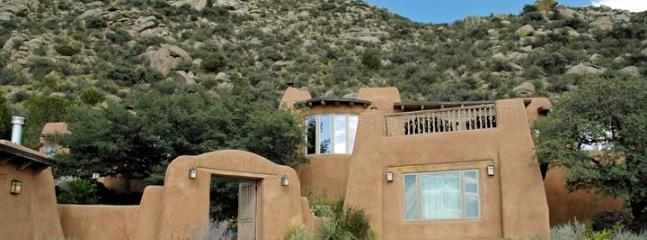 Adobe home in spectacular setting - 5 BDR, Gorgeous Adobe, Spectacular Setting w/Views - Albuquerque - rentals