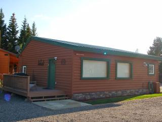 Cabins West - Gallatin Cabin - Yellowstone vacation rentals