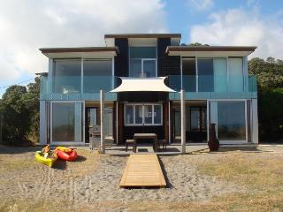 Beautiful House with Deck and Internet Access - Opotiki vacation rentals