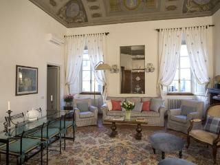 Palazzo Antellesi | High-End Furnished | BENOZZO - Florence vacation rentals