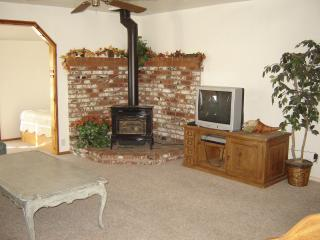 Comfortable House with Deck and Internet Access - Kernville vacation rentals