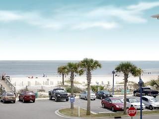 Nice Condo with Deck and Internet Access - Tybee Island vacation rentals