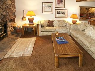 Gorgeous House with 2 Bedroom & 2 Bathroom in Mammoth Lakes (Snowcreek #059 (Phase 1)) - Mammoth Lakes vacation rentals
