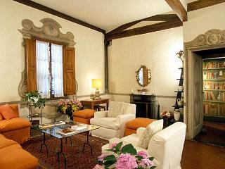 Palazzo Antellesi | High-End Rental | MIRAVISTA - Florence vacation rentals