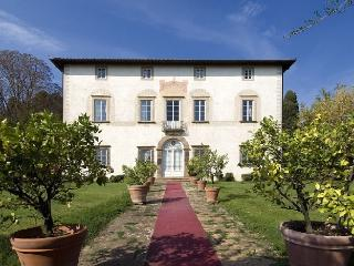 Villa Elegante Lucca luxury holiday villa - Lucca vacation rentals