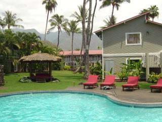 Great Location! Beautiful Ground Floor End Unit - Lahaina vacation rentals