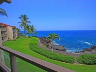 KKSR3202 $115.00 special April 16th-28th Direct oceanfront!!! - Kailua-Kona vacation rentals