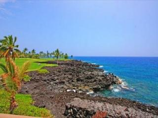 Keahou Kona Surf and Racquet Club 5304- DIRECT OCEAN FRONT 2 Bedroom + Loft - Kailua-Kona vacation rentals
