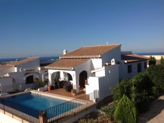 Casa Lucia Monte Pego, villa, pool, stunning views - free Wi-Fi and Aircon - Els Poblets vacation rentals