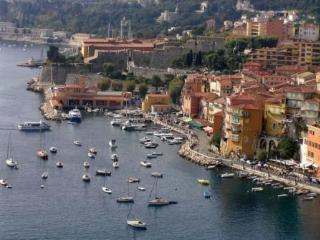 Villefranche sur Mer 1 Bedroom Clean and Comfortable Flat, by Historical Center - Villefranche-sur-Mer vacation rentals