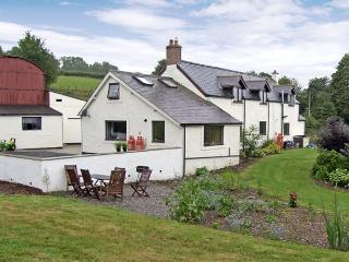 CELYN COTTAGE, romantic, country holiday cottage, with a garden in Pentre Celyn, Ref 4260 - Ruthin vacation rentals