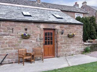 DUFTON HALL COTTAGE, pet friendly, country holiday cottage, with a garden in Dufton, Ref 3965 - Great Strickland vacation rentals