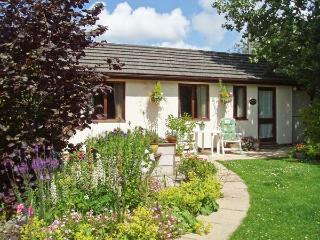GARDEN VIEW, pet friendly, country holiday cottage, with a garden in Lixwm, Ref 4029 - Holywell vacation rentals