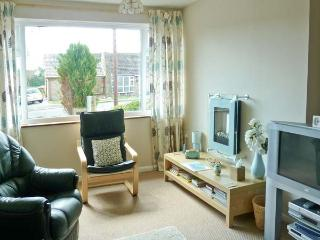 LINBERY, country holiday cottage, with a garden in Oakerthorpe, Ref 3956 - Alfreton vacation rentals