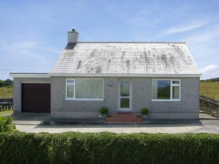 RHOSLAN, family friendly, country holiday cottage, with a garden in Rhosgoch, Ref 4157 - Cemaes Bay vacation rentals