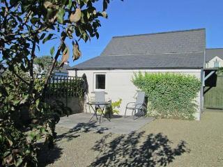 TY GWENNOL BACH, pet friendly, with a garden in Dinas Cross, Ref 3930 - Saint Davids vacation rentals
