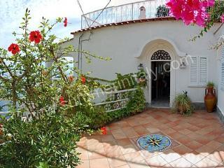 Gorgeous 2 bedroom Vacation Rental in Praiano - Praiano vacation rentals